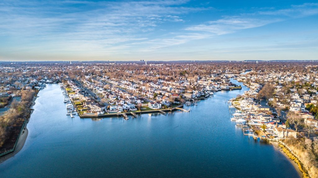 buy a vacation home in Long Island