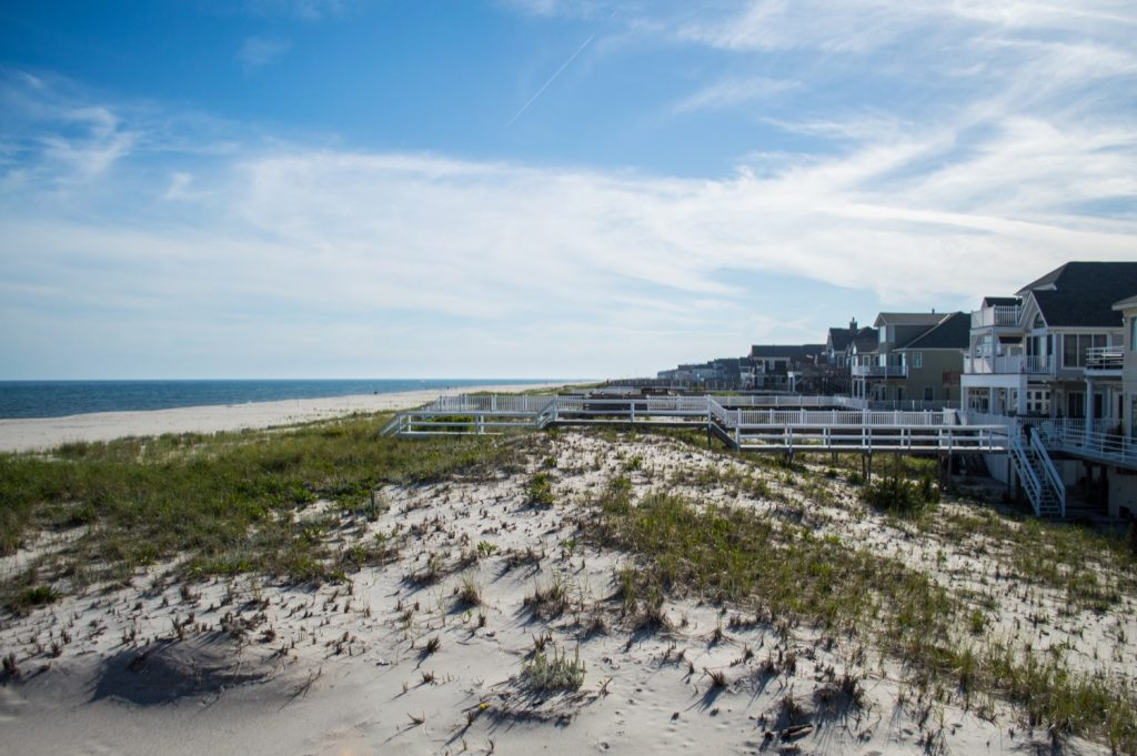 Buy and Sell Beach Houses in the Hamptons
